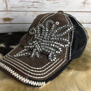 NWOT fashion hat with Bling